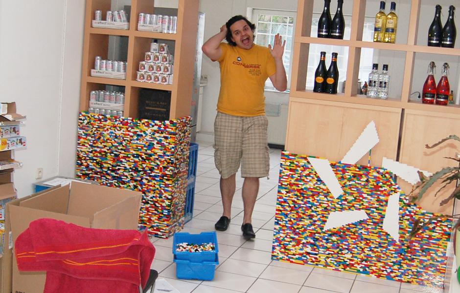 Hendrik flippt aus wegen fertigem Lego-Stern