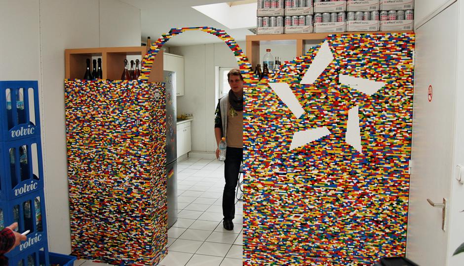 Der Legobogen steht